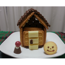 作ってみました!お菓子の家とクリスマスのお菓子♪